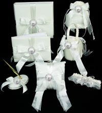 claddagh wedding accessories